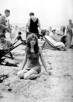 lady-on-beach